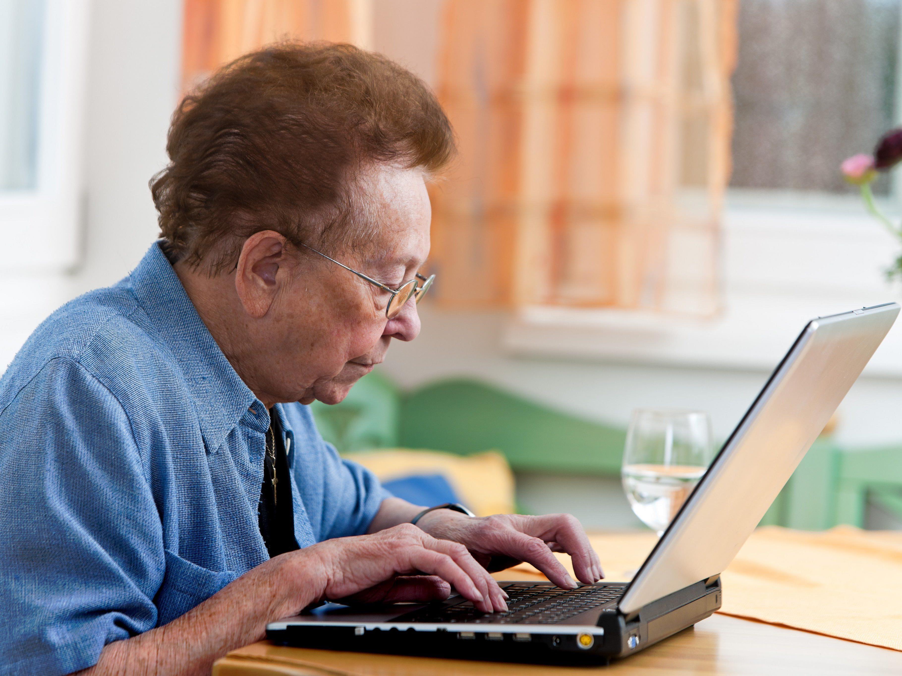Die AK OÖ fordert besser Arbeitsplätze für ältere Leute.