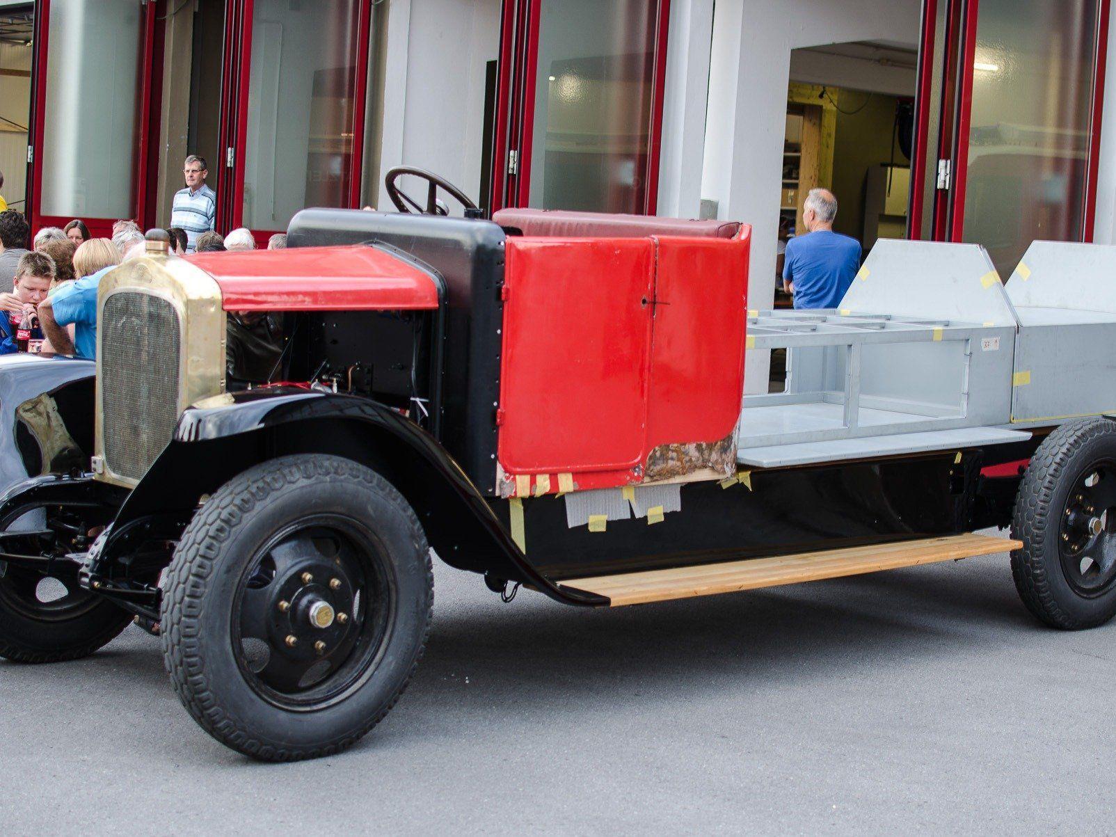 Das erste Feuerwehrauto des Landes Vorarlberg.