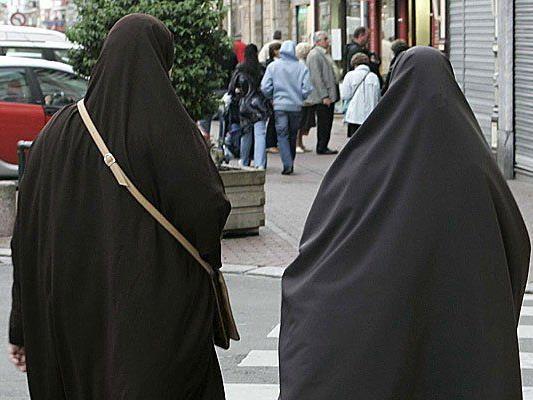 Soll es eine Volksabstimmung zu einem Burka-Verbot geben?