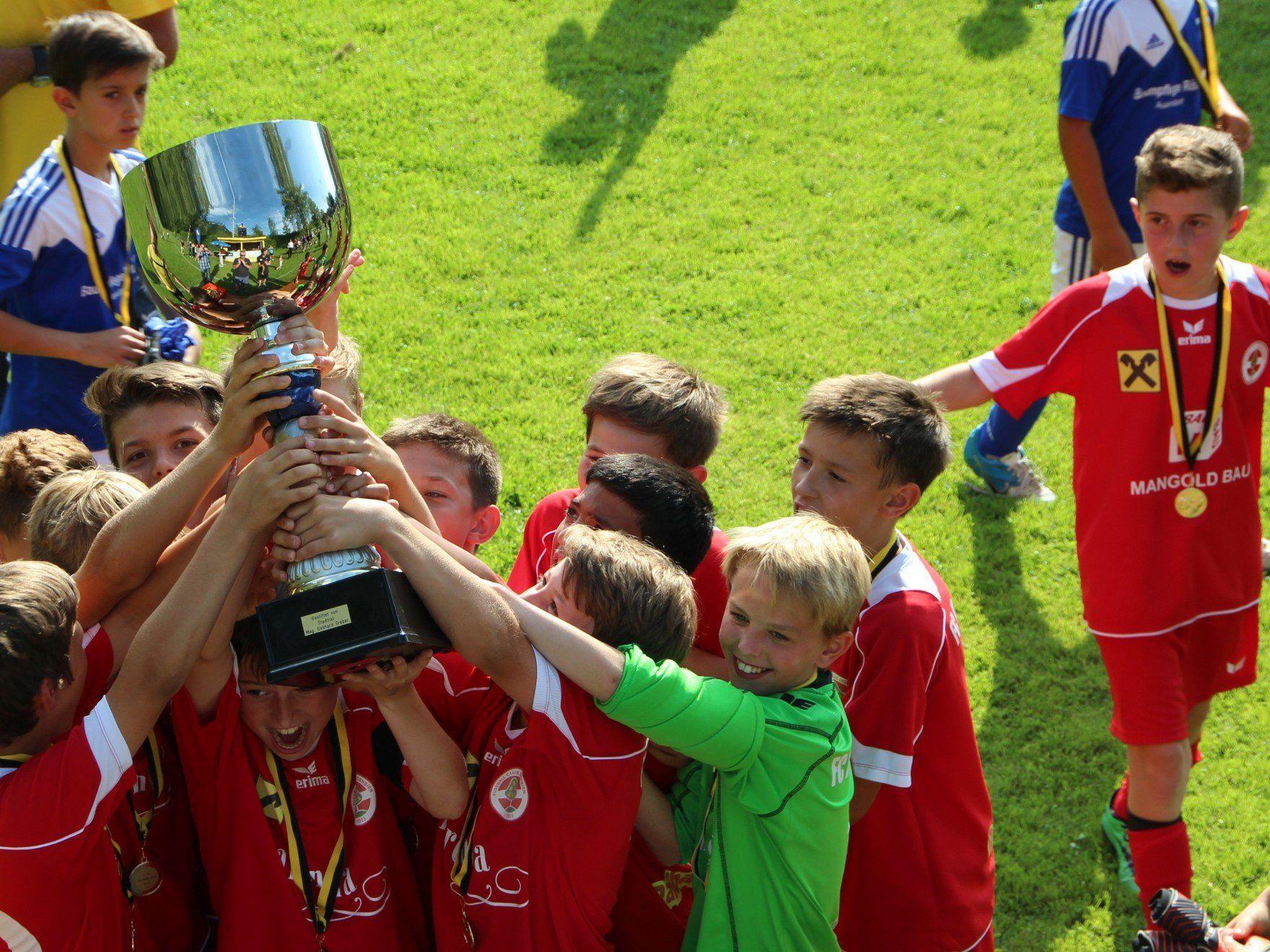 Dornbirner Klubs siegten beim stark besetzten Nachwuchsturnier vom SC Hatlerdorf.