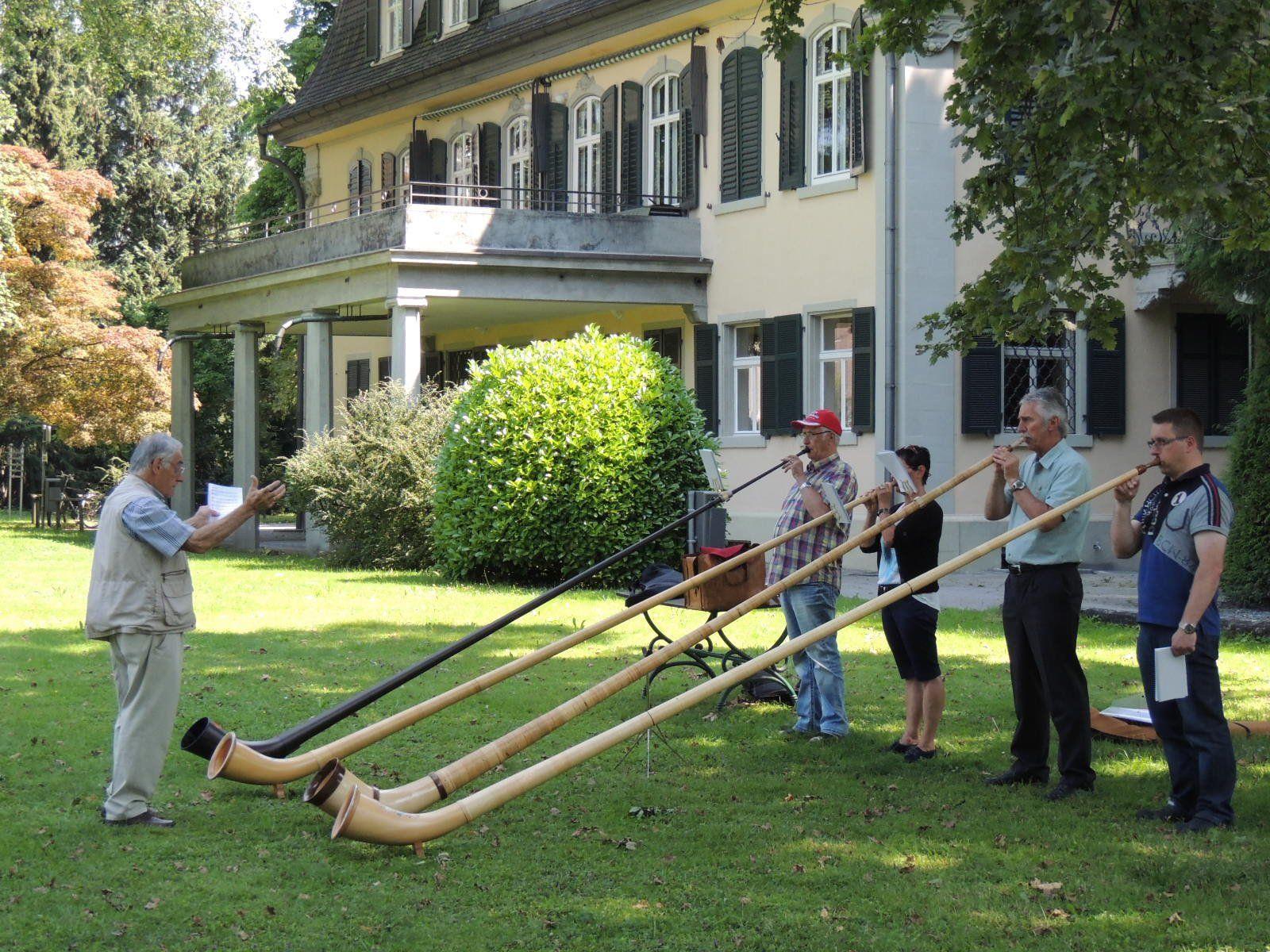 Ensemblespiel im Park der Musikschule