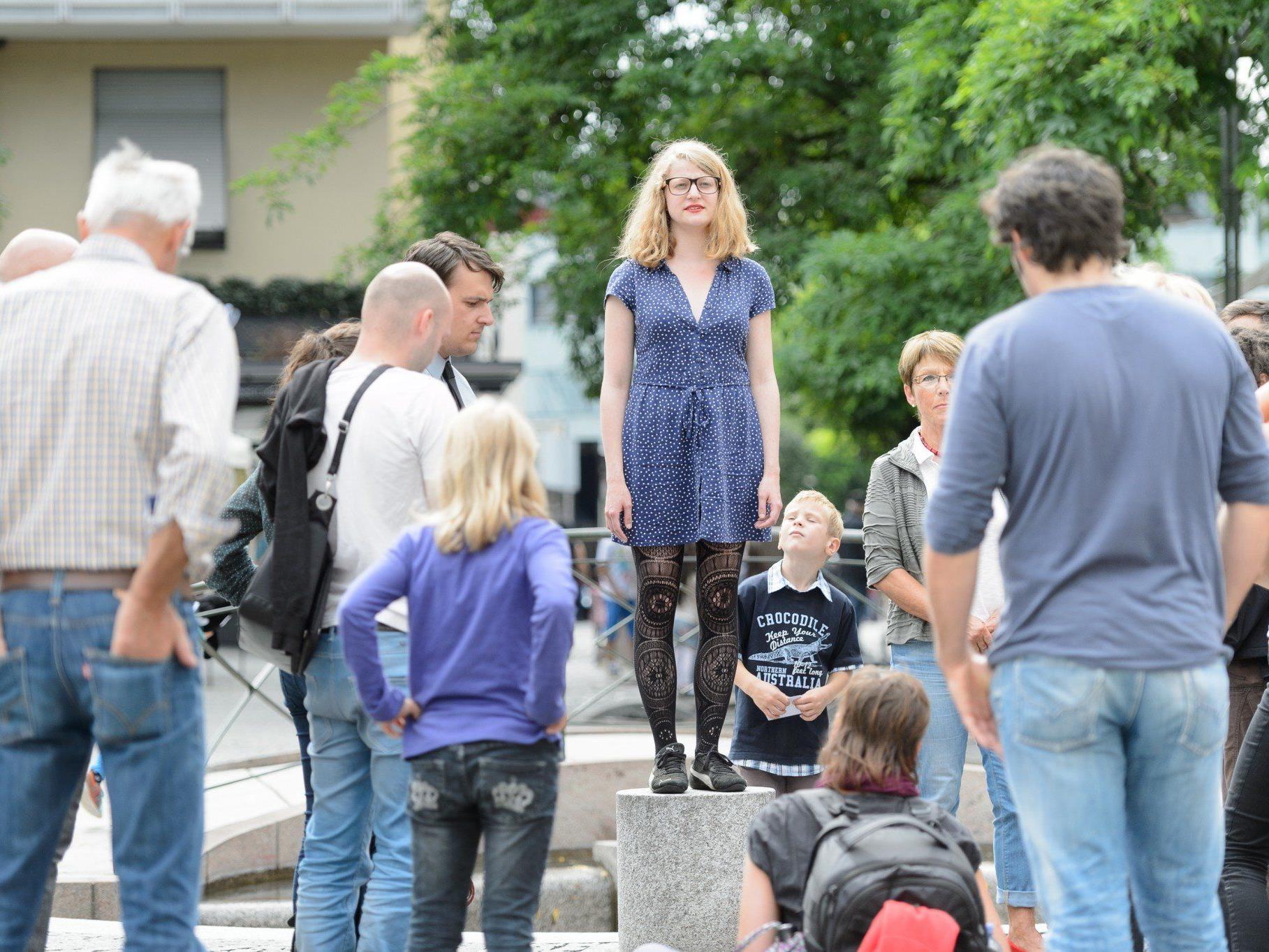 Das Freakwave hat seit diesem Jahr eine neue Facette: Performancekunst in der Dornbirner Innenstadt.