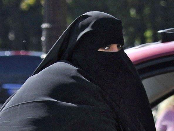 Das Menschenrechts-Gericht bestätigte nun das Burka-Gesetz in Frankreich.