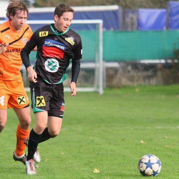Lauterach-Kicker Dominik Kirchmann trifft im Test auf Ligakonkurrent Alberschwende.