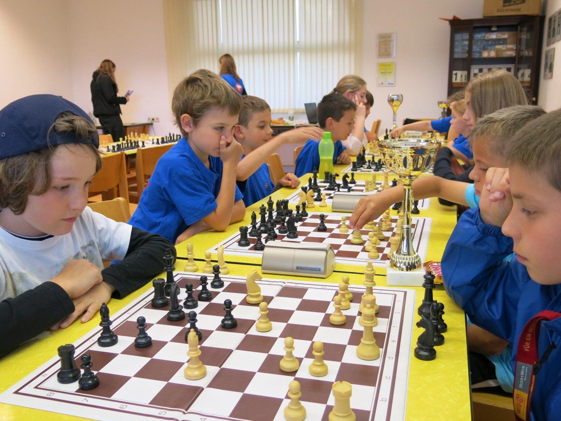 Schon die Jüngsten beherrschen die nötigen Strategien des Schachspiels.
