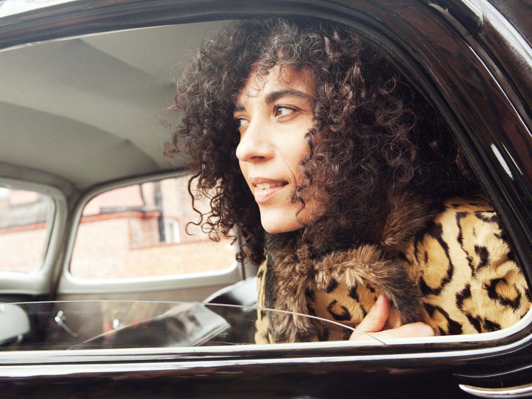 Samstagabend ist die britische Sängerin und Songwriterin Julia Biel auf dem Freakwave Intermezzo zu Gast.