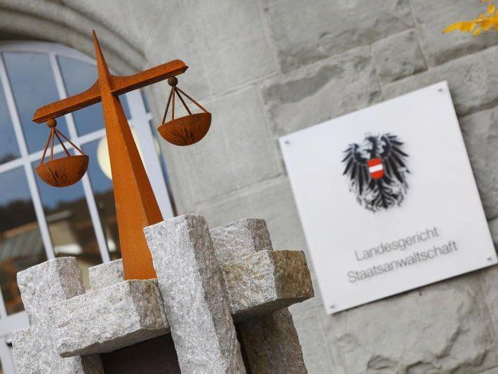 Missbrauchs-Prozess am Landesgericht Feldkirch: Haft und Teilschmerzensgeld.