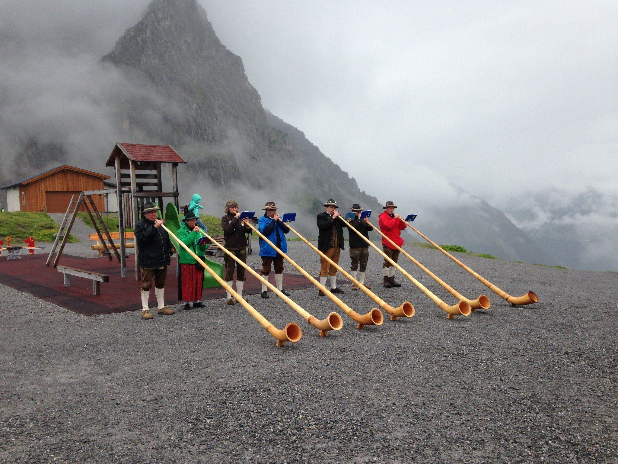 Bereits zum 9. Mal fand das alljährliche Alphornbläsertreffen am Lünersee statt.