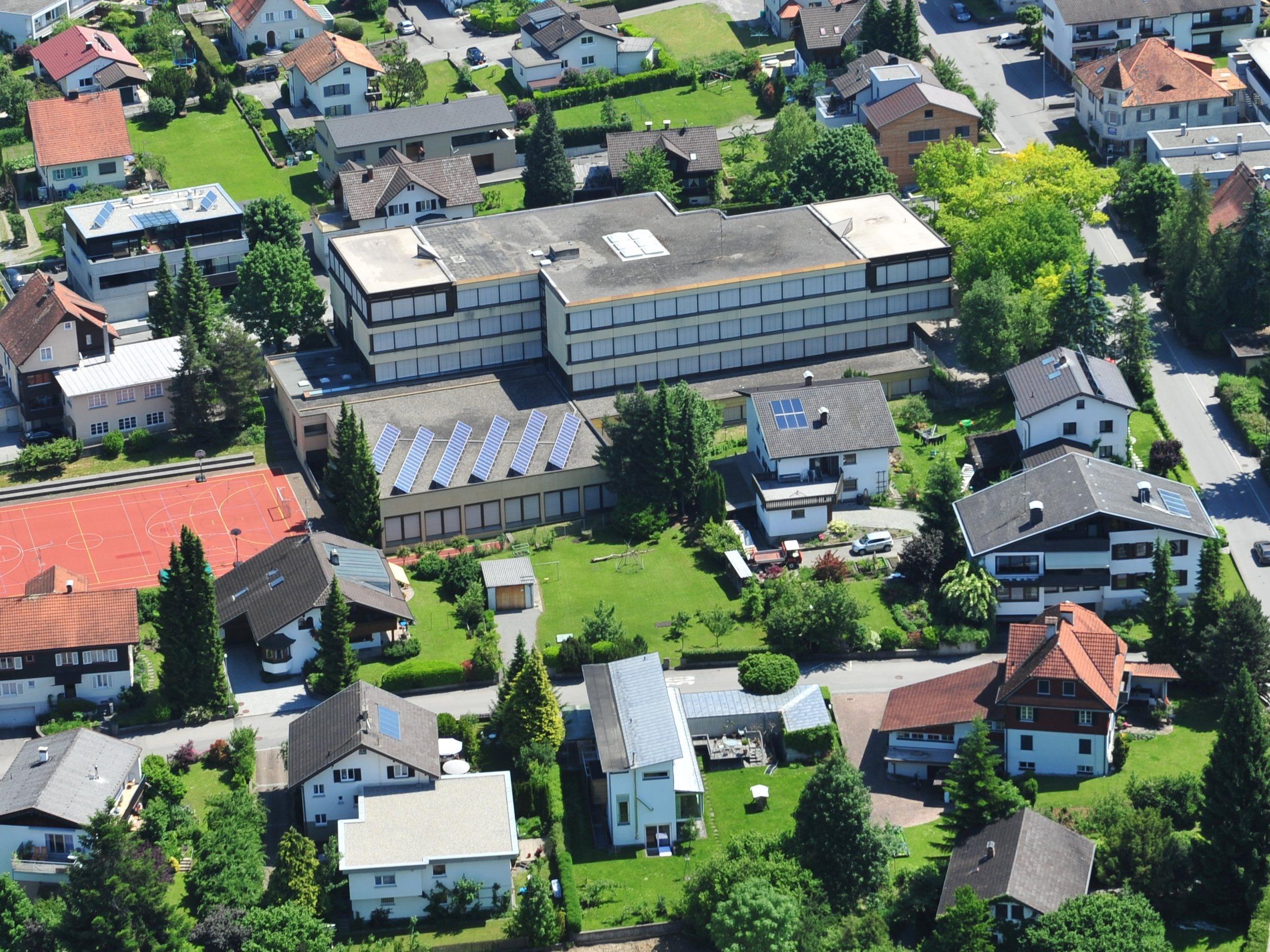 Die Musik-Mittelschule Bergmannstraße wird in den nächsten Wochen an das Nahwärmenetz angeschlossen.