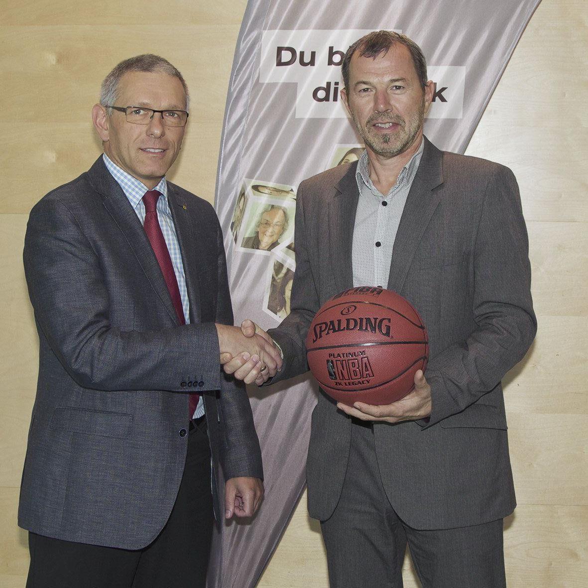 Raiffeisen bleibt drei weitere Jahre Hauptsponsor der Dornbirn Lions.