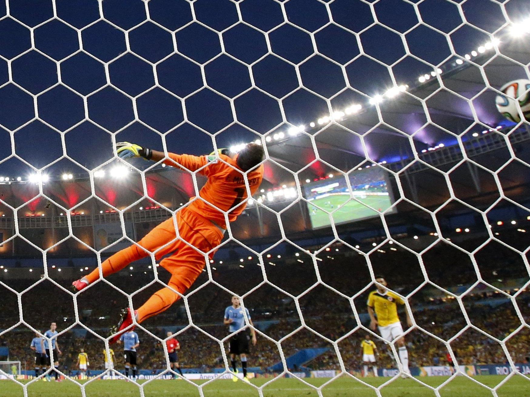 Volleyschuss von James Rodriguez gegen Uruguay zum besten WM-Tor 2014 gewählt.