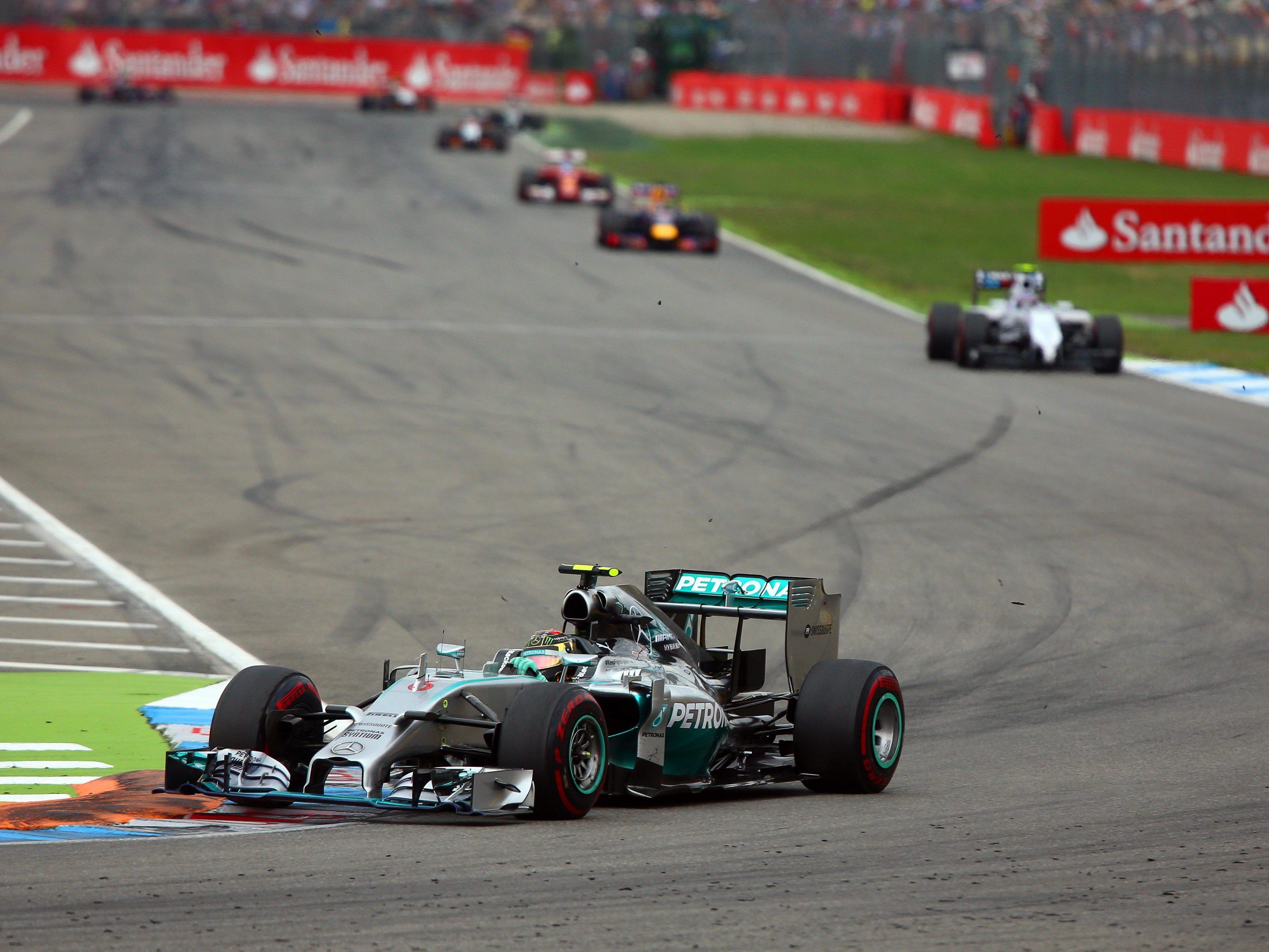 Rosberg siegt - Hamilton nach Startplatz 20 noch Dritter.