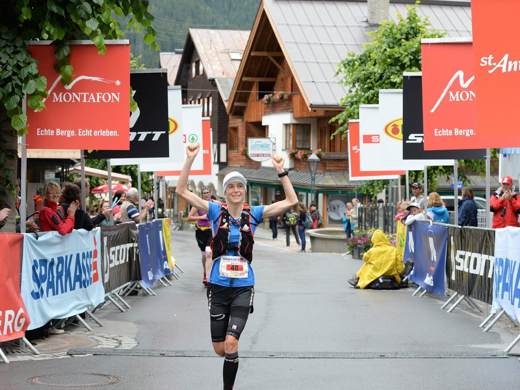 Die Vorarlbergerin Andrea Feuerstein-Rauch siegte beim Montafon Arlberg Marathon 2014 powered by Sparkasse in einer Zeit von 4:14:59,6.