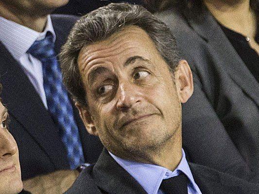 Sarkozy in Affäre um mutmaßliche Bestechung eines Top-Juristen verwickelt.