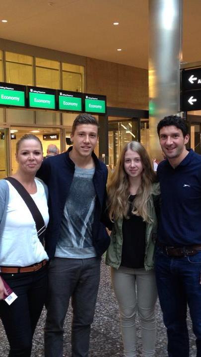 Zusammen mit seiner Familie ist der Dornbirner Anes Omerovic nach Birmingham abgereist.