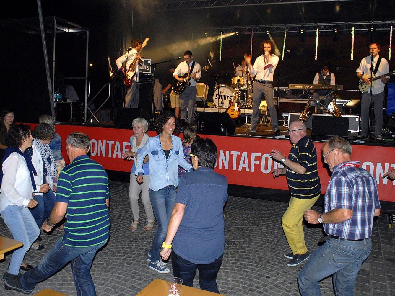 """Das Engagement der Band """"The Spouts"""" bei der M3 Welcome Party hat sich laut Publikum auf jeden Fall gelohnt."""