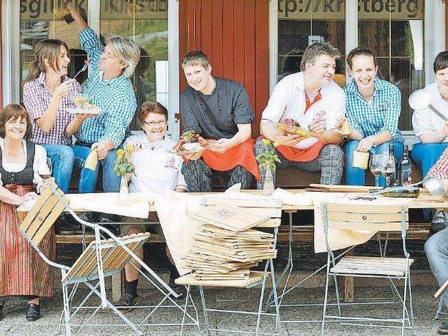 Familie Zudrell mit dem Kristberger Verwöhnerteam.