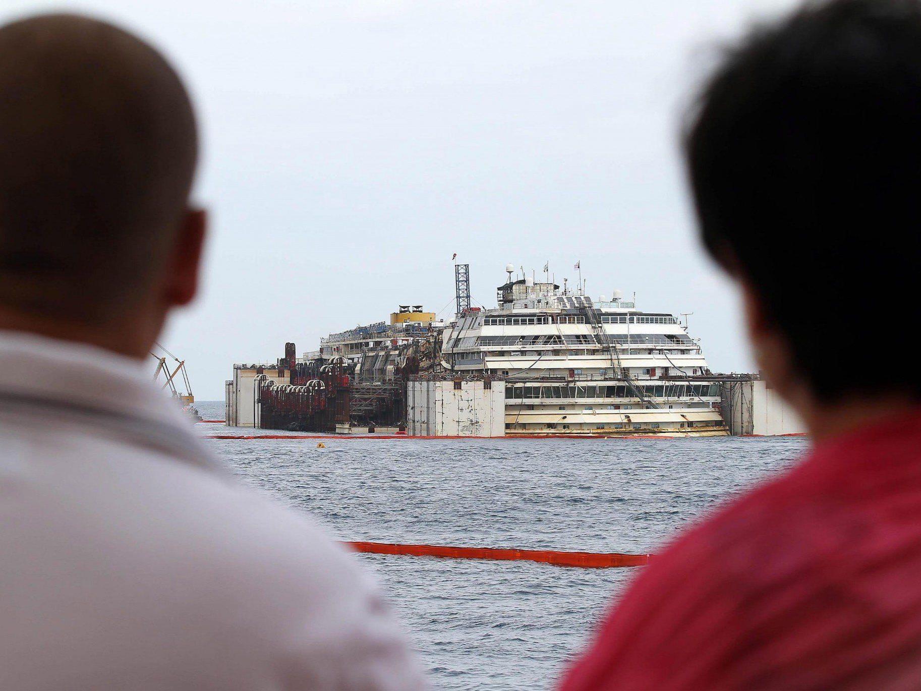 Costa Concordia: Spektakuläre Operation zum Abtransport erfolgreich angelaufen