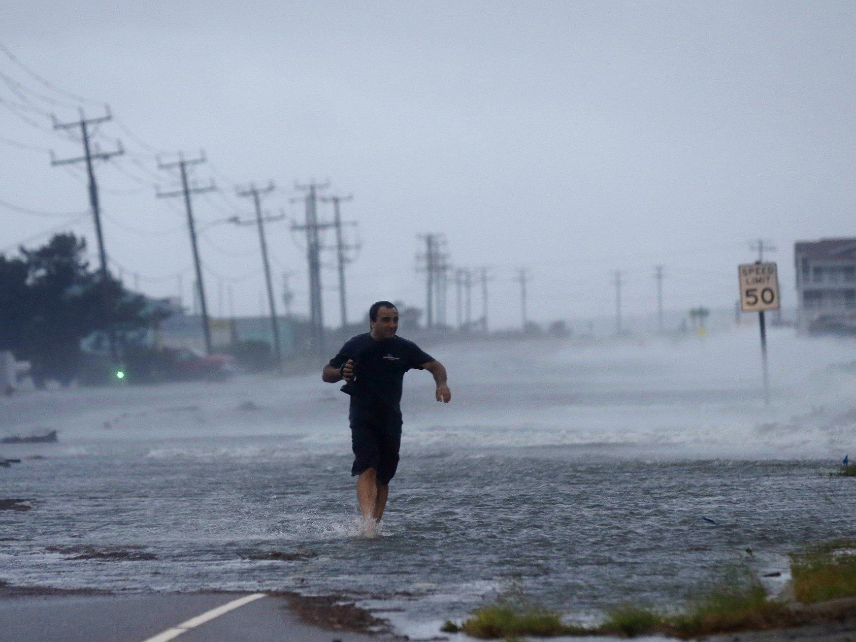 """Die Hurrikan """"Arthur"""" traf am Freitag auf die Ostküste der USA."""