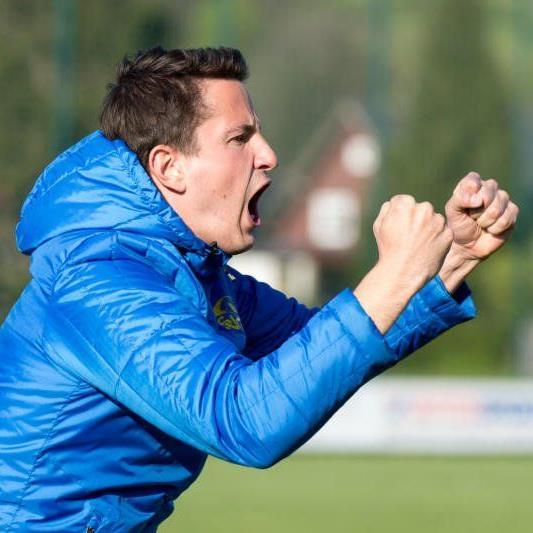 Bernhard Erkinger übernimmt beim FC Höchst den Trainerposten.