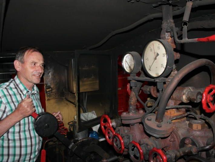 Walter Rüf hat sich seit seinem Engagement als Chef der Museumsbahn-Gesellschaft schon sehr gut in die Materie eingearbeitet.