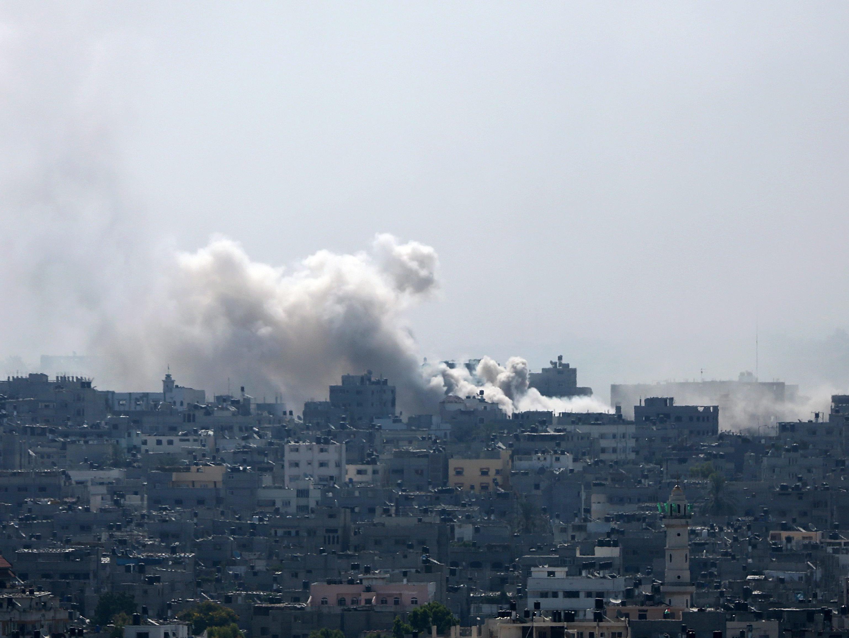 Die israelische Armee setzt den Beschuss von Gaza-City fort.