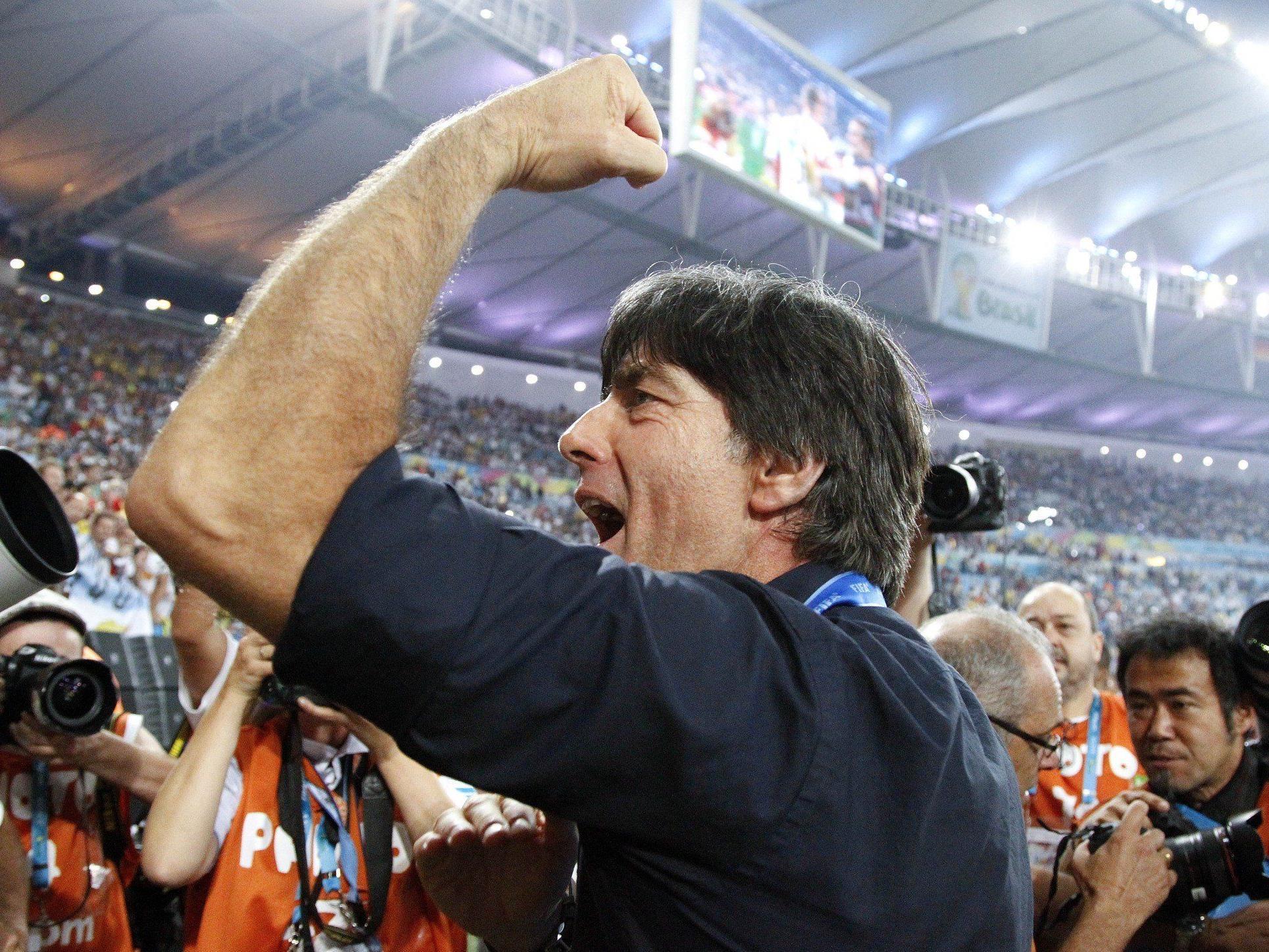 Löw jetzt mit WM-Krone - DFB-Boss sicher: Auch in zwei Jahren noch da