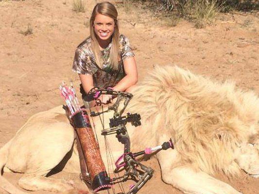 Kendall Jones rechtfertigt ihre Jagd-Erfolge auf Facebook und bedankt sich bei Unterstützern.