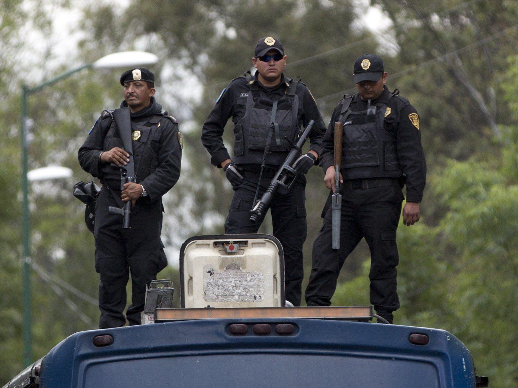 Die mexikanische Polizei und Armee nahmen neun Personen fest.