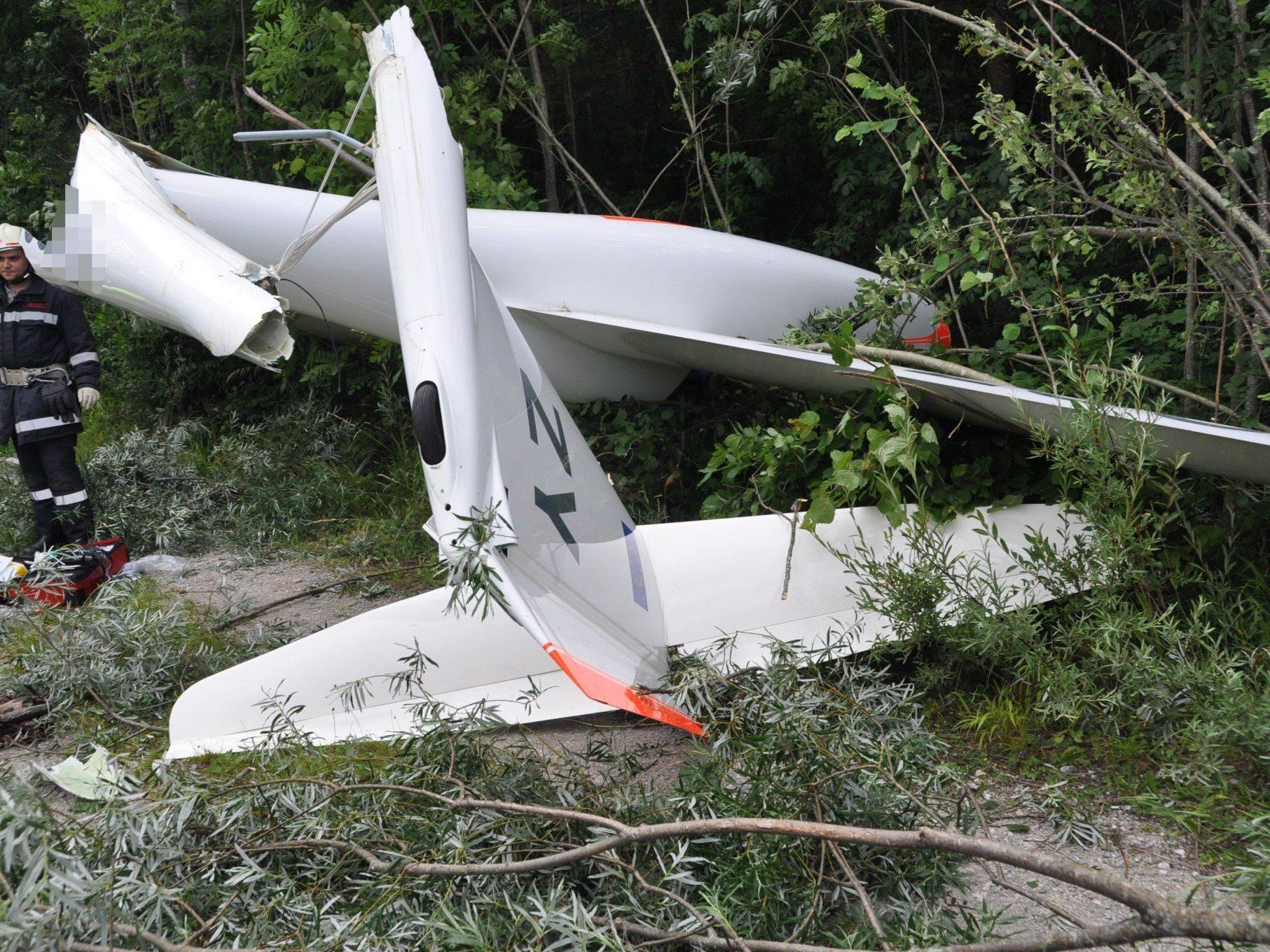Zwei Vorarlberger wurden beim Absturz eines Segelfliegers in Tirol schwer verletzt.