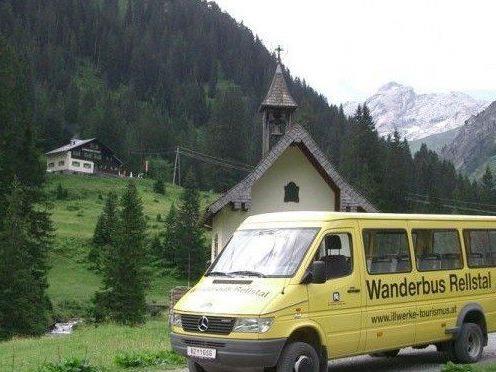 Mit dem Wanderbus ins Rellstal erreichen Sie bequem eines der schönsten Wandergebiete des Rätikons.
