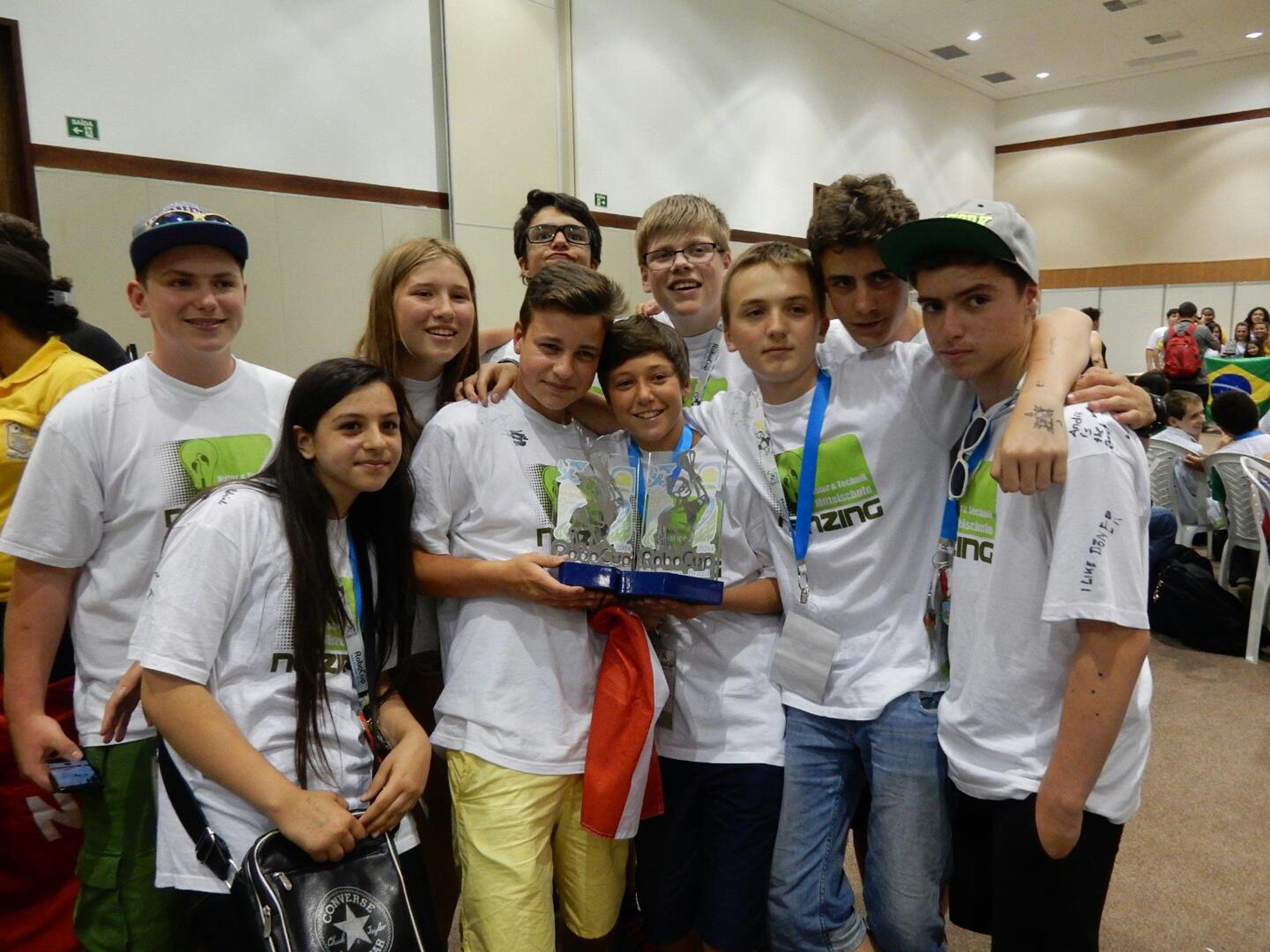 Der RoboCup ist ein Roboter-Nachwuchswettbewerb
