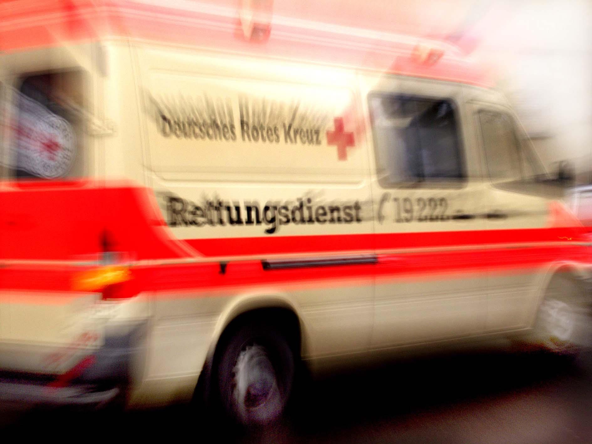 Tragischer Unfall nahe Hergensweiler im Allgäu kostet Kind das Leben.