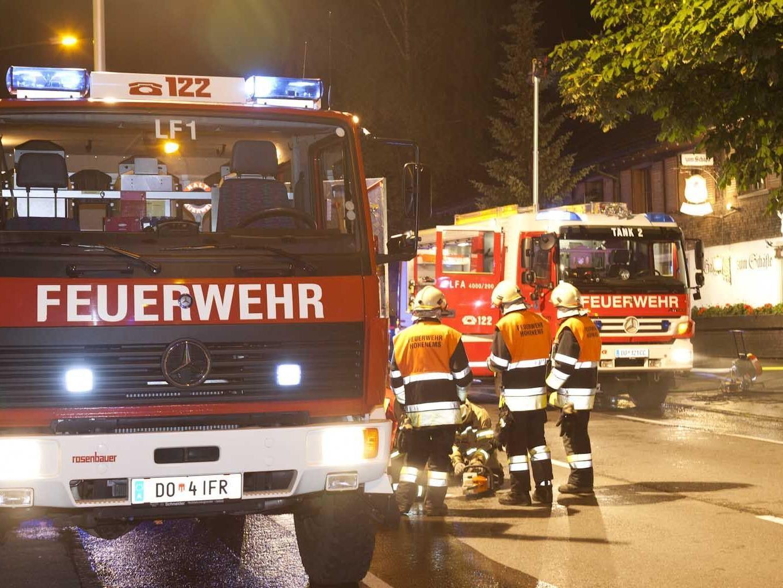 In der Nacht auf Donnerstag hielt ein Brand im Gasthof Schäfle die Einsatzkräfte der FW Hohenems auf Trab.