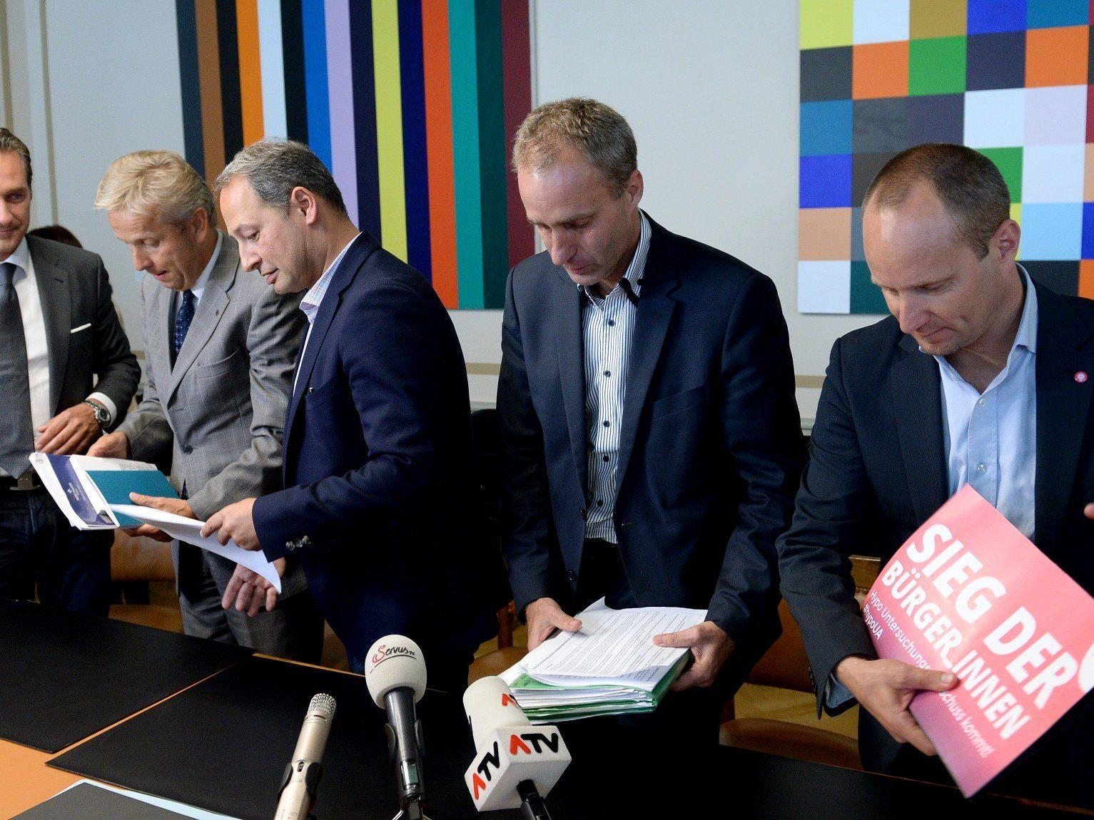 Heinz Christian Strache (FPÖ), Reinhold Lopatka (ÖVP), Andreas Schieder (SPÖ), Dieter Brosz (Grüne) und Matthias Strolz (NEOS) während einer PK zur Reform der parlamentarischen Untersuchungsausschüsse