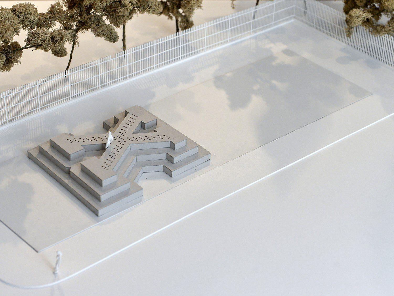 Wiener Ballhausplatz erhält als Deserteursdenkmal ein X. Für das Bregenzer Denkmal wird ein Ideenwettbewerb ausgeschrieben.
