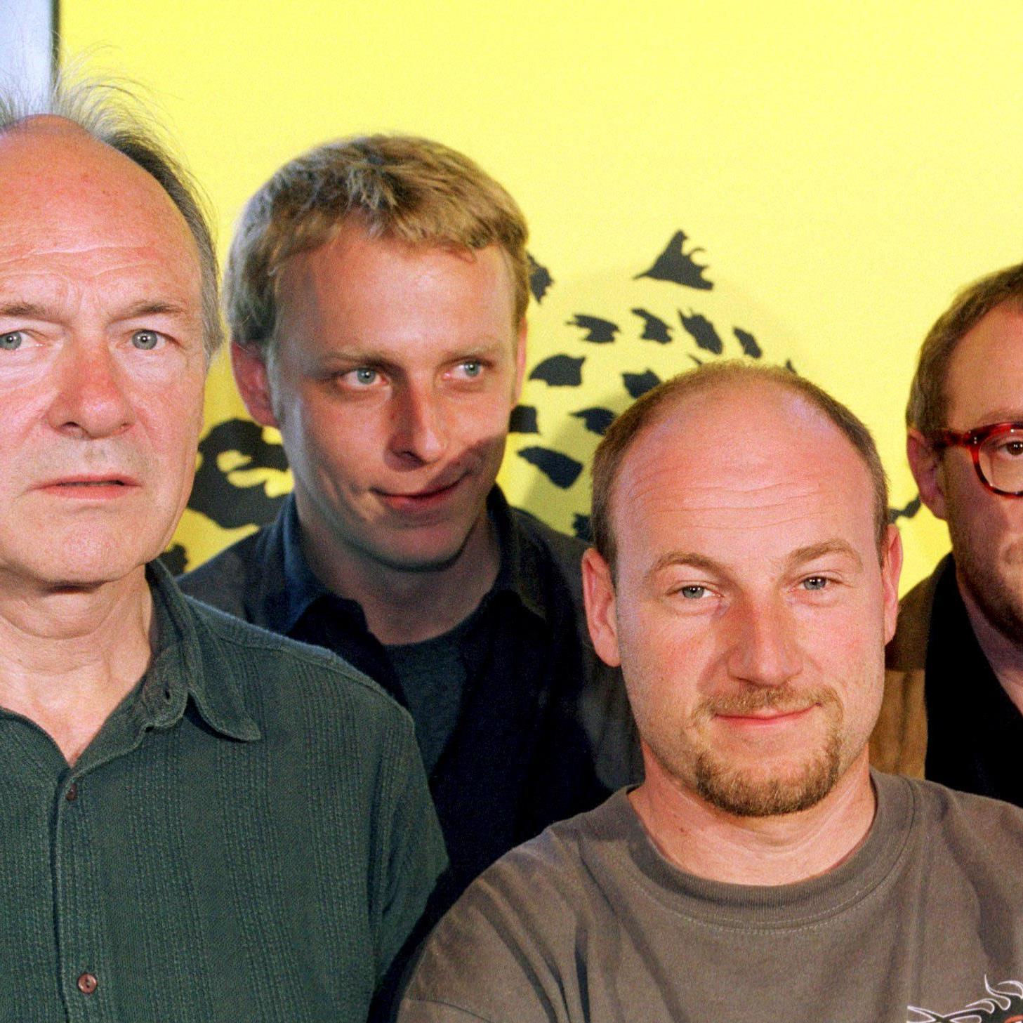 Florian Flicker (2. von links) mit Bissmeier, Düringer und Hader.