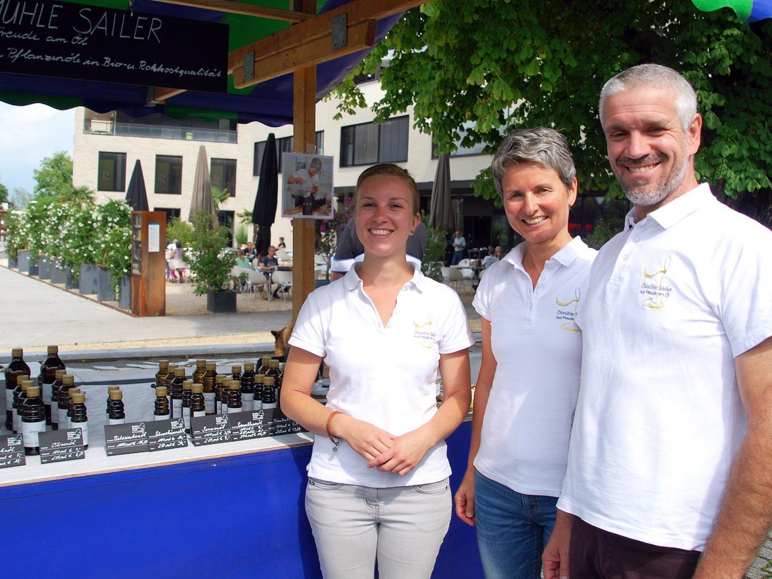 Ölmühle Sailer bietet auf dem Rankler Wochenmarkt kaltgepresste Pflanzenöle und Aufstriche.