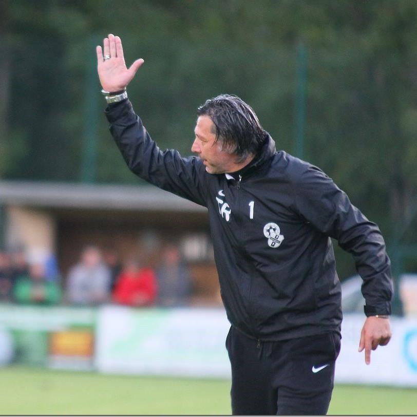 SW Bregenz mit Trainer Hans Kogler gewann gegen Wolfurt mit 2:1 und steht nun auf Platz eins.