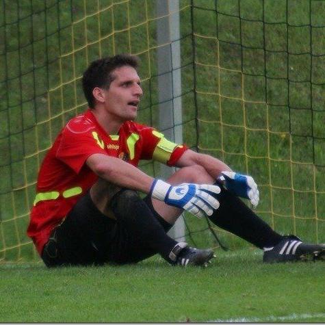 Höchst-Goalie Mathias Nagel und seine Kollegen verloren in Kitzbühel mit 0:1.