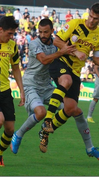 Über 7000 Zuschauer kamen zum Freundschaftsspiel zwischen Dortmund und Verona nach Altach.