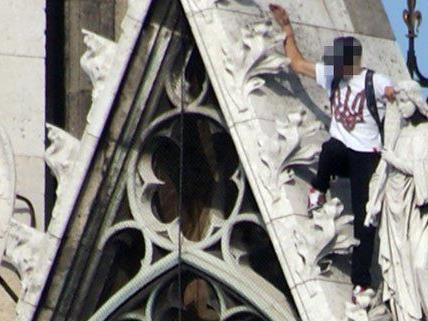 """""""Roofer"""" erklomm rund 100 Meter hohen Turm der Wiener Votivkirche"""