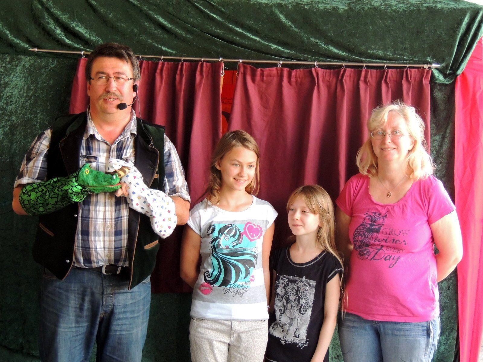 Familie Holubar begeisterte die Kinder und Erwachsenen mit ihrem perfekt einstudierten Kasperltheater