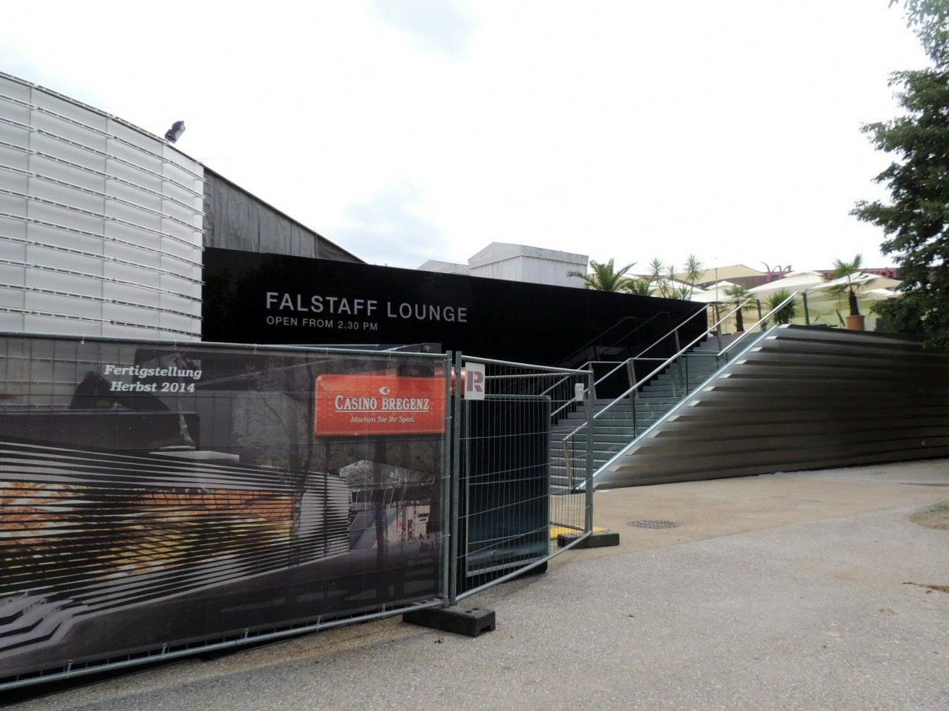 Terrasse und Falstaff Lounge sind bereits fertig
