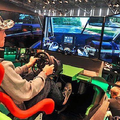 Die Aussteller auf der Gamescom protzten natürlich mit Technik vom Feinsten.