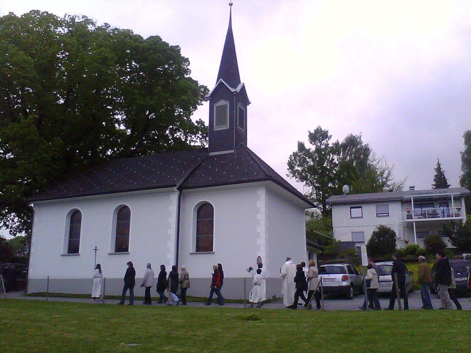 Musikalisch wird die Messe vom Frastner Chörle mitgestaltet.