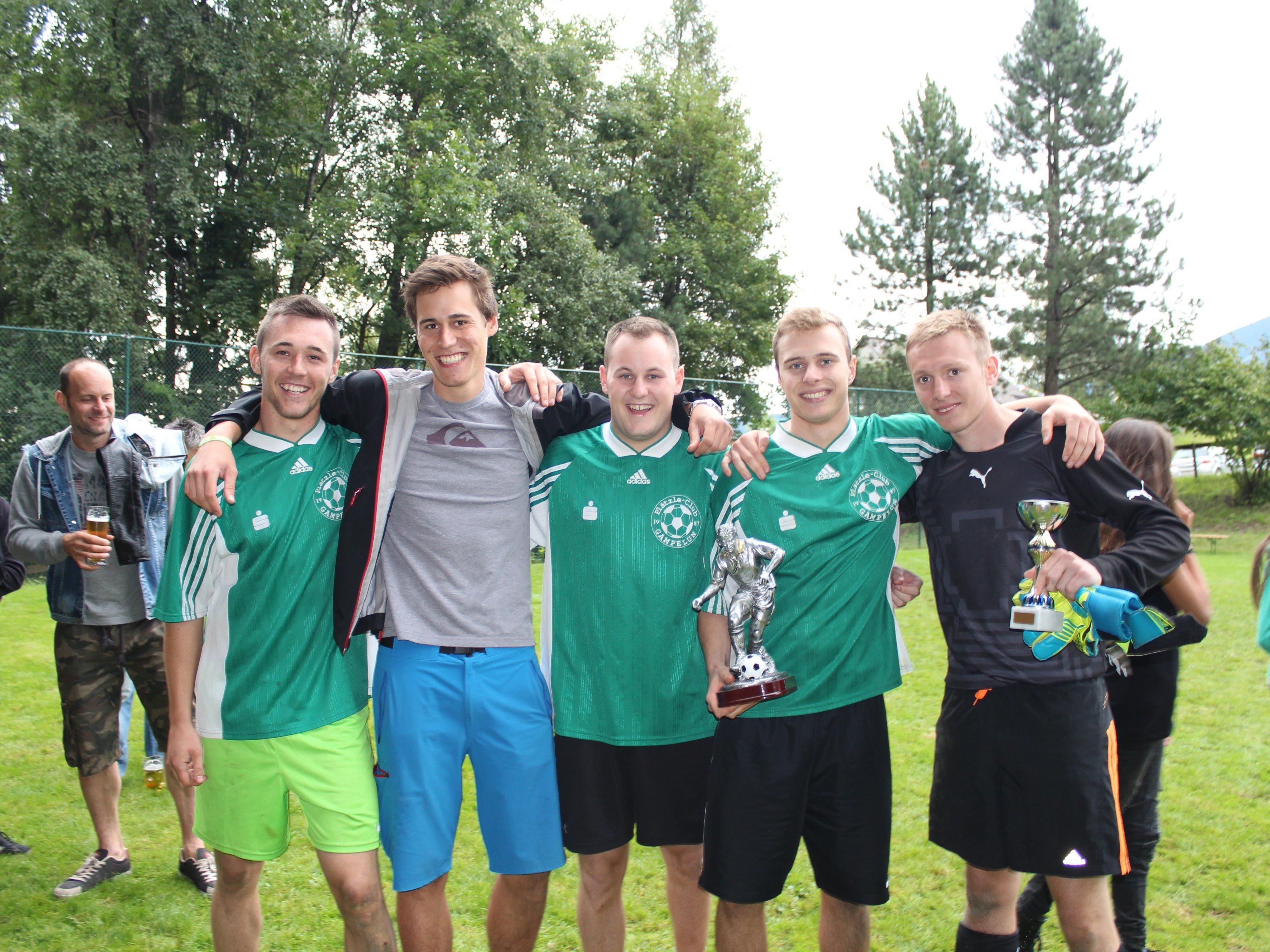 Patrick Schmölzer, Claudio Ender, Manuel Gragl, Christof Tschäbi und Simon Maier freuten sich über den Turniersieg.