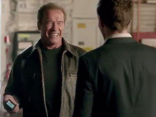 Arnold Schwarzenegger mimt im Werbespot sich selbst - und das Opfer einer Verwechslung