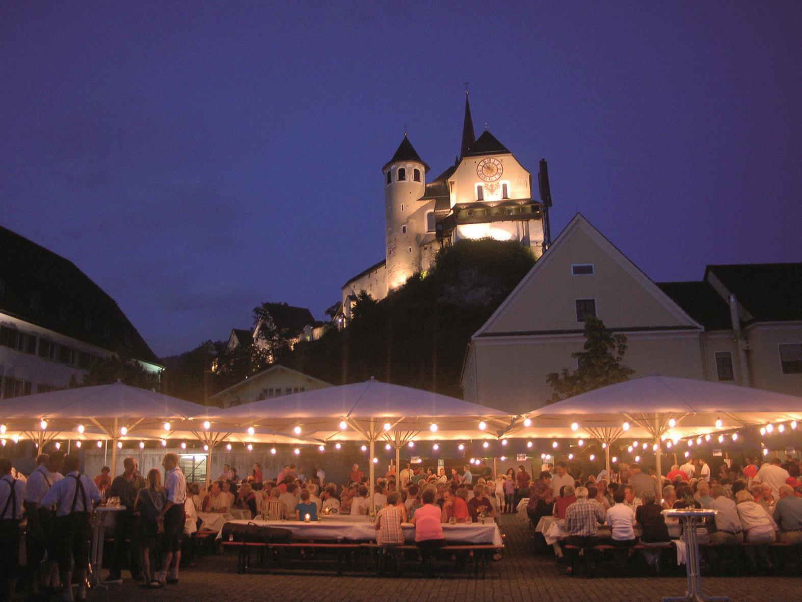 Z' Rankwiel verwiela - Wein - Musik - Kulinarik, - Heurigen  auf dem Rankweiler Marktplatz