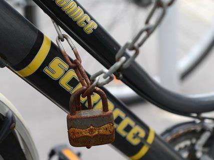Fahrraddiebe im Visier der Beamten.